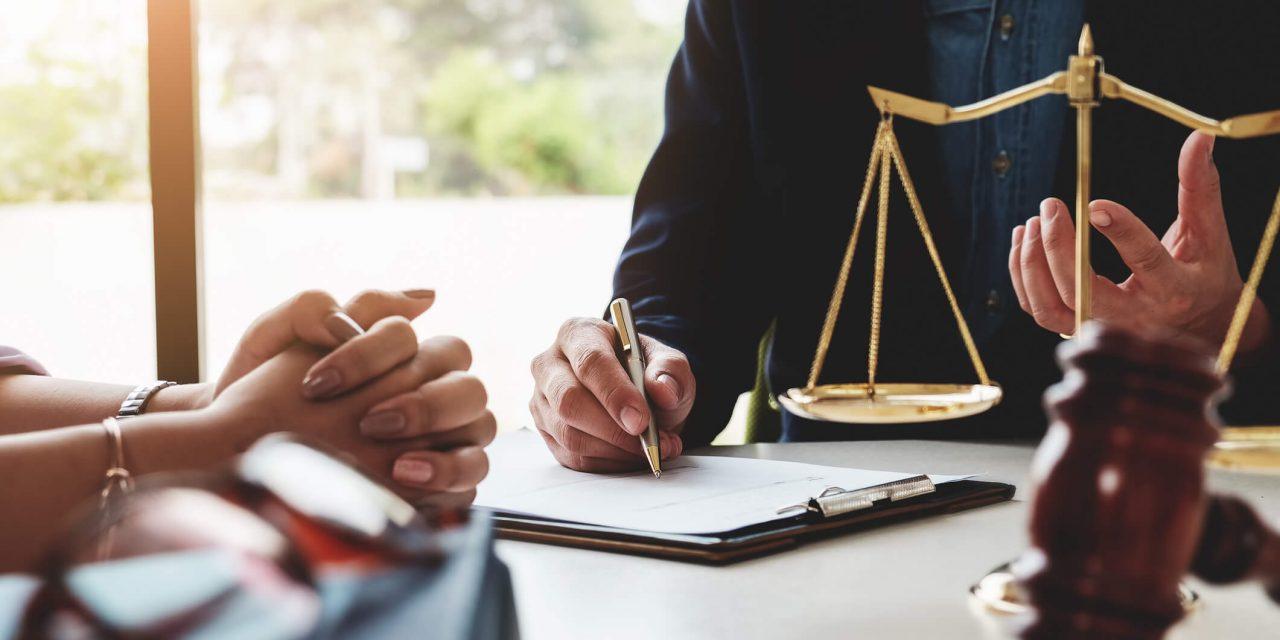 Odvetnik za pravno zastopanje
