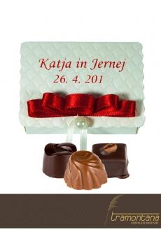 Bogata izbira sladkih poročnih daril za mladoporočenca
